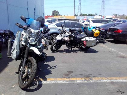 Vorbereitung Verschiffung der Motorräder