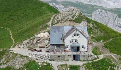 Rotsteinpasshütte