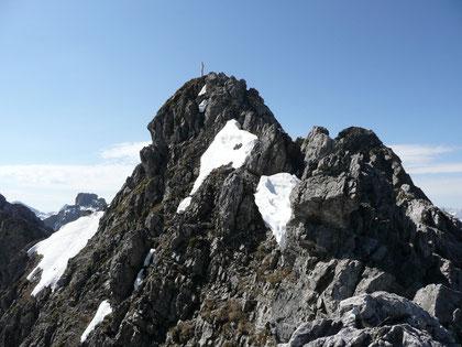 Am Grat zur Hochgehrenspitze mit Blick zum Gipfel