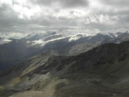 Blick von der Lyfispitze zum Cevedale