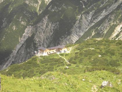 Blick auf die Hanauer Hütte