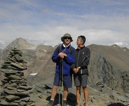 Am Gipfel der Hinteren Schöntaufspitze mit Blick zur Vertainspitze.