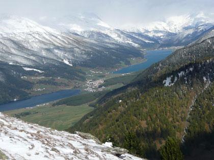 Beim Aufstieg zur Spitzigen Lun:Blick auf Reschensee und Haidersee