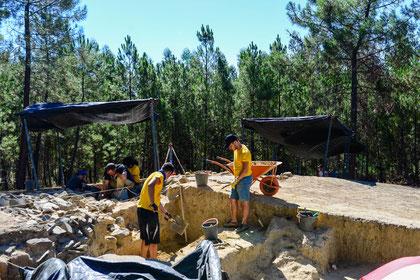 Grabungen mitmachen Megalith