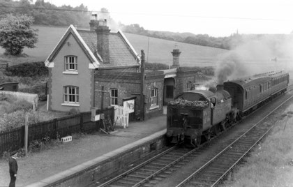 Dawley & Stirchley Station 1952. Image from South Telford Heritage Trail website http://www.walktelfordheritage.co.uk. Personal and educational use permitted.