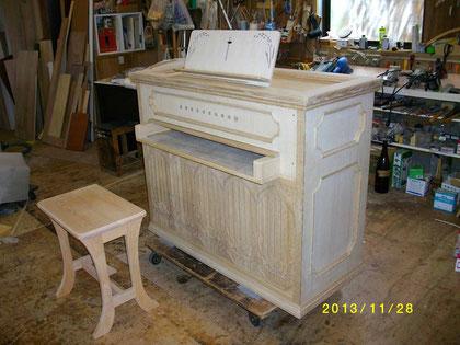 11月末、木工場で外形が完成、塗装前の姿
