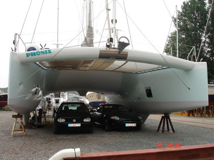 Phoenix auf der Deters-Werft in Ganspe an der Weser