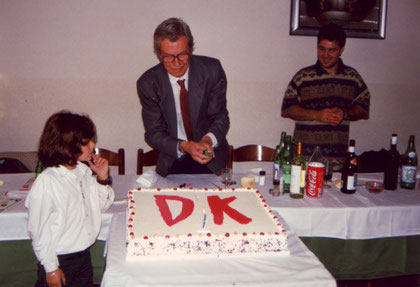 Franco Paludetti taglia la torta