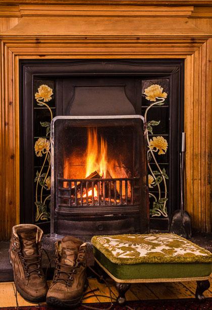 Bild: Kaminfeuer nach einer Foto-Wanderung (Schottland)