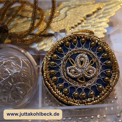 Klosterarbeit Schmuckanhänger hergestellt von Jutta Kohlbeck