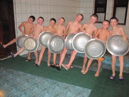 в бане в лагере