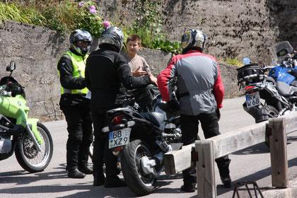 Zwei kleine Italiener mit Rädern zeigen uns den Weg....