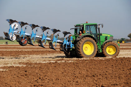 (East Kent Ploughing Match 2011)