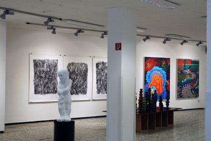 Blick in die Ausstellung mit ARbeiten von Robert Stieve, Frank Gillich und Eva Preckwinkel