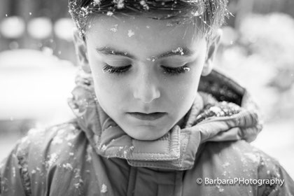 snowflakes on eyelashes