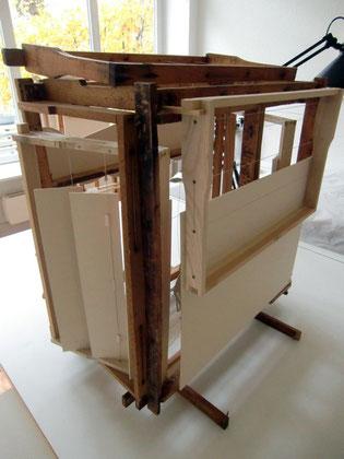 le théâre des abeilles - URANIA klein - 54/40/56 cm