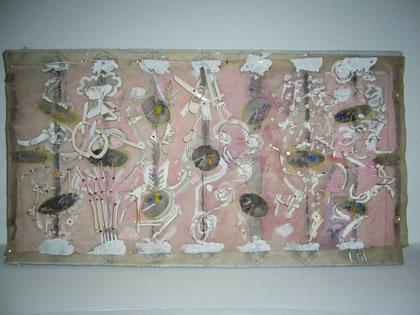 Walter Bidlingmaier und Armin Saub, Kleines Modell für die Neugestaltung der Decke im Goldenen Saal, 1974 (Maße 66x36x3cm, M 1:50, Styrofoam, Transparentpapier, Pappe und Stuck, Aquarellfarben)