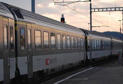 Zug 33068 in Pfäffikon (SZ) - Copyright und Foto: M. Huber