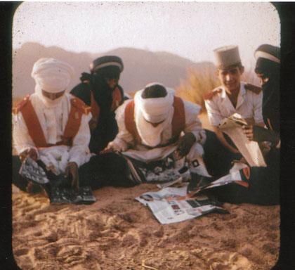 SERVIN (képi),  touareg en bleu/noir,  arabes en blanc