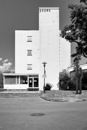 Pausa Verwaltungsgebäude Eingangsbereich Hofseite © Dr. Ralph Fischer