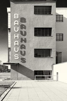 Schriftzug Bauhaus Dessau Treppenhaus Südwest © Dr. Ralph Fischer