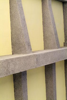 Bauhaus Dessau Unterzüge Brücke © Dr. Ralph Fischer