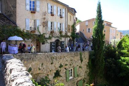 Bild:Moustiers-Sainte-Marie