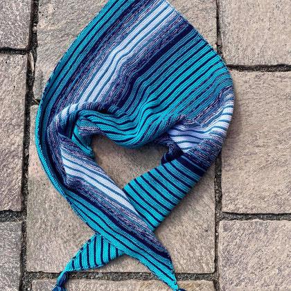 Grundlsee / Farbzusammenstellung sowie Tuch gestrickt und fotografiert von Barbara Riedl
