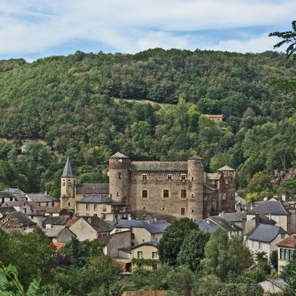 Coupiac et son château (à 15km)