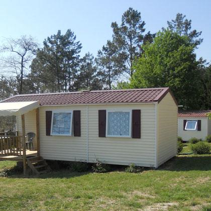 Le Cottage Lodge neuf doté de sa terrasse intégrée précieuse pour se protéger du soleil ou de la pluie