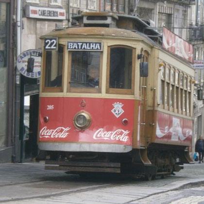Die historische Straßenbahn, von außen..
