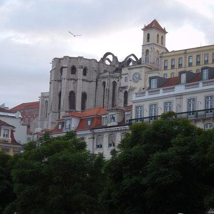 Die Ruine der Igreja do Carmo