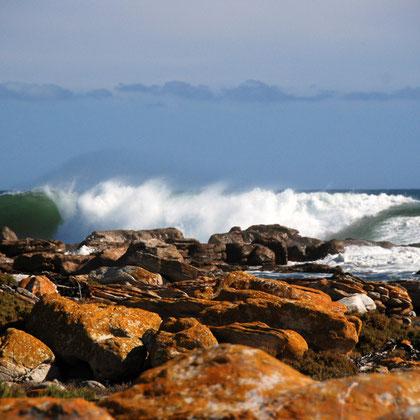Rocks and crashing wave near Olifantbos