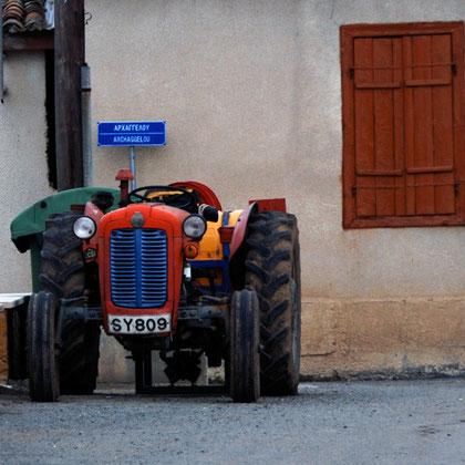 Colourful tractor, (Akaki, January 2013)