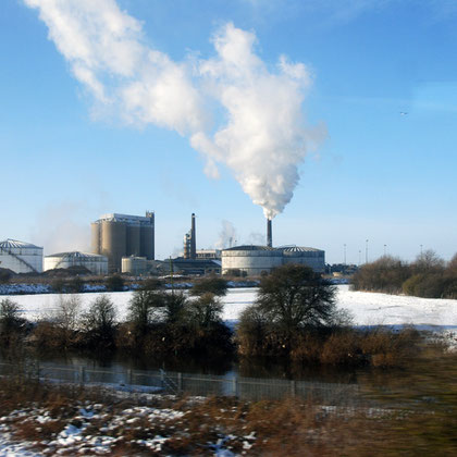 The British Sugar factory at Newark-on-Trent producing 230,000 tonnes of granulated sugar from 1.5m tonnes of sugar beet annually. In front the Trent Navigation which carried 230,609 tons in 1933
