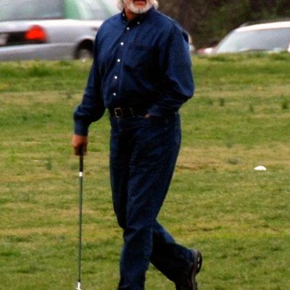 Golfer near Ronald Regan Washington National Airport