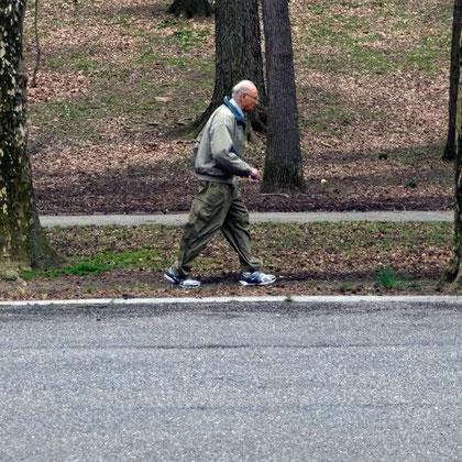 Man waling, Riverside Park
