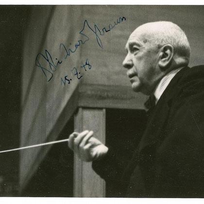 Fotografía autografiada de Richard Strauss sosteniendo su batuta (1948). Colección de Barry Hoffman.