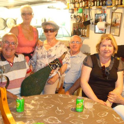 Une équipe d'Australie en visite a la Bodega de Michel !!!