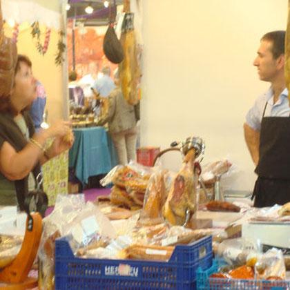 Lucienne Sirvent journaliste au Monde au salon de La gastronomie a Arcachon