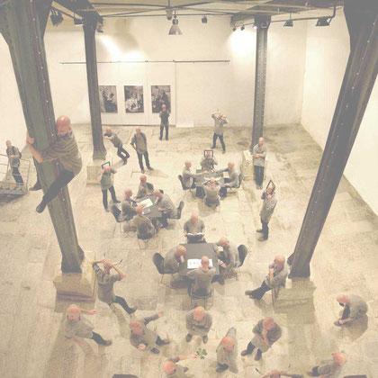"""""""Konferenz der Doppelgänger"""" / aus der Serie """"digital clones"""" Egon Schiele Centrum, Cesky Krumlov, 2003"""