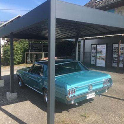 Un Carport en aluminium à toit plat, économique et esthétique, garantie 10 ans. Abri voiture double  réalisable en aluminium.