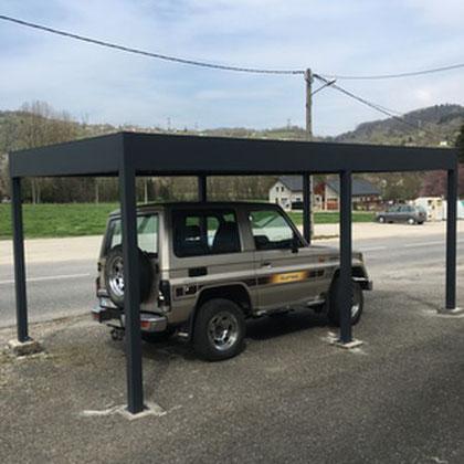 Carport, abri de voiture à toit plat en aluminium conçu pour résister aux vents violents et aux fortes chutes de neige