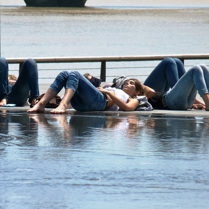 Quand le miroir d'eau se fond dans la Garonne ( P. Guillot)