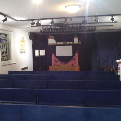 Ein schöner Theaterraum mit Platz für 70 Personen.