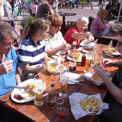 Mittagessen bei Ferryman's Taverne