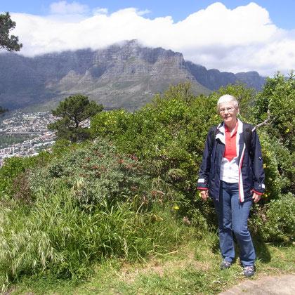 Blick vom Signal Hill auf den verhüllten Tafelberg