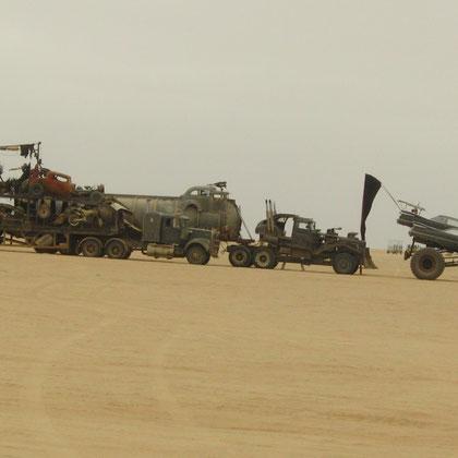 in der Wüste wird der Fantasy-Film Mad Max 4 – Fury Road gedreht