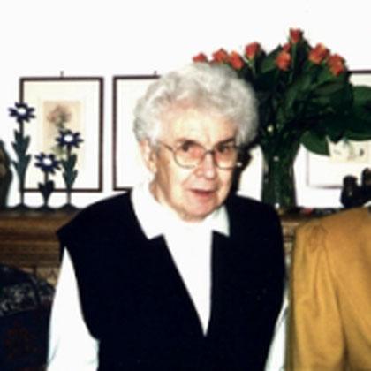 Unsere ehemaligen Vorsitzenden von links nach rechts: Gertrud Hartjes, Maria Föhles, Renate Fürtjes.  1999