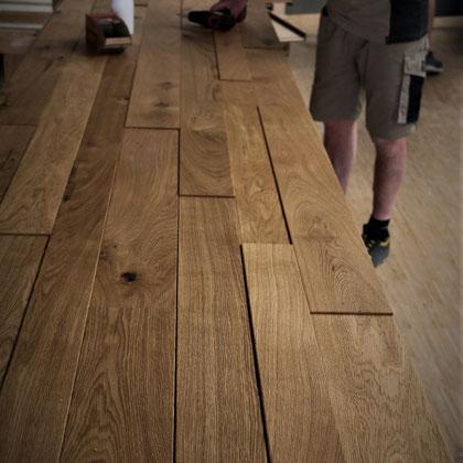 Fendt Holzgestaltung: Wandverkleidung Eiche gebürstet (verieft und verspachtelt)